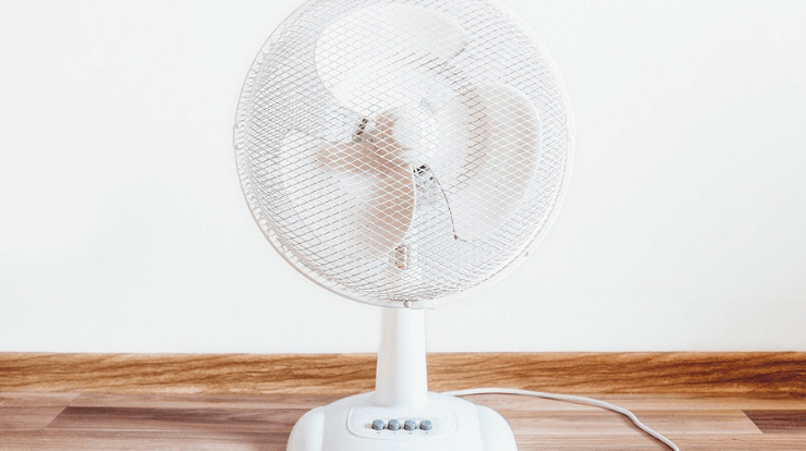 a white room fan